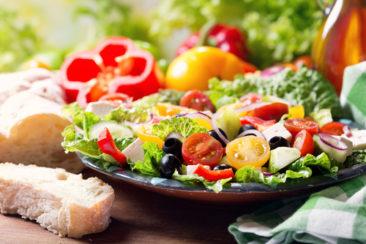 Manger plus lentement permet de perdre du poids, c'est prouvé !
